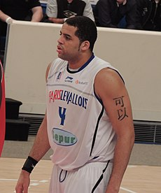 Sean May Paris-Levallois warm-up.JPG