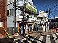 Seven eleven Yokohama-yamate eki-mae.jpg