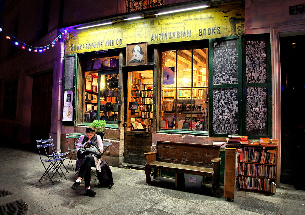 Shakespeare And Co Paris Cafe