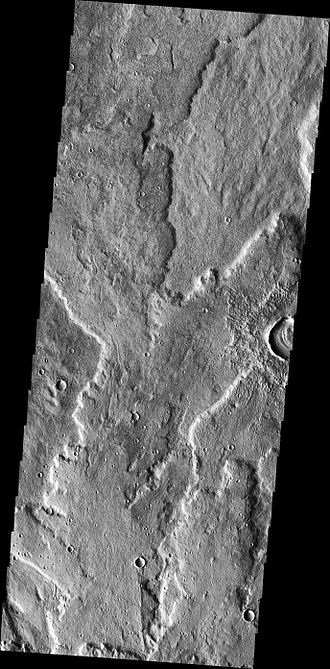 Alba Mons - Sheet flows on northwestern flank of Alba Mons. Note multiple overlapping lobes (THEMIS VIS)