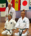 Shigeru Nagoya, Toshiro Sasaki und Fritz Nöpel, Yuishin-Kan Kata Seminar 2009.jpg