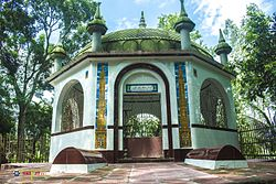 Shrine besides Small mound on the Eastern bank of River Tulshiganga 2.jpg