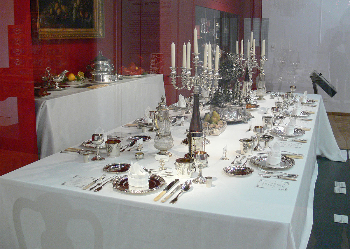 Tovaglia wikipedia - Tovaglie da tavola eleganti moderne ...
