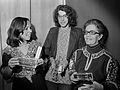 Simone Schell, Paul Hulshof en Alet Schouten (1975).jpg