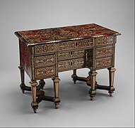 Small desk with folding top (bureau brisé) MET DP102696.jpg