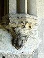 Soissons (02), abbaye Saint-Jean-des-Vignes, cloître gothique, galerie ouest, cul-de-lampe à la retombée de deux voûtes.jpg