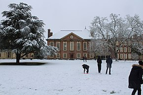 Somerville College Hall in snow.jpg