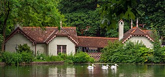 St James's Park - Duck Island Cottage has a long history and is now the headquarters for the London Parks & Gardens Trust