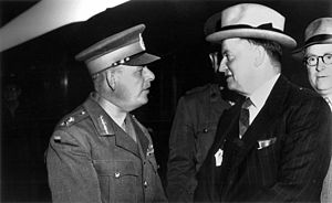 James Durrant - Major-General Durrant with Minister for the Army Frank Forde in Brisbane, 12 October 1941