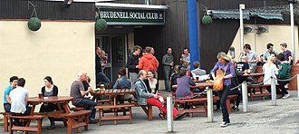 Brudenell Social Club - Image: Sunday Lunchtime Outside The Brudenell Social Club (5700395673)
