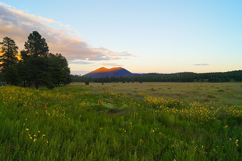 File:Sunset at Sunset Crater in the San Francisco Volcanic Field in Arizona.jpg