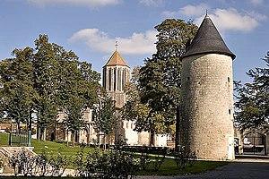 Surgères - Image: Surgeres jardin mairie