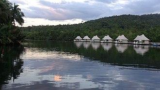 Koh Kong Province - Floating hotel at Tatai River