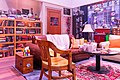 The Big Bang Theory Living Room (48605847622).jpg