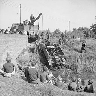 Scammell Pioneer - Pioneer recovering a Universal Carrier, Sussex 1941