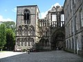The west, main entrance, of Holyrood Abbey (geograph 3576669).jpg