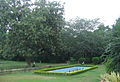 Theen Murthi Bhavan - Delhi, garden inside.jpg