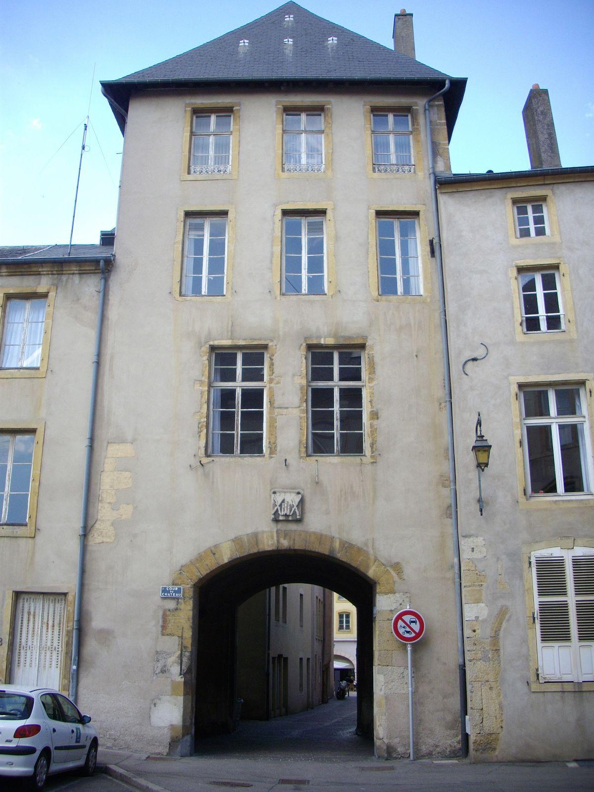Château de Thionville — Wikipédia
