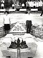 Tito u obilasku Spomen groblja na Krušiku (3).jpg