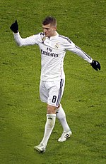 Kroos playing for Real Madrid in 2015