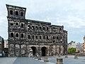 Trier, Porta Nigra -- 2015 -- 6125.jpg