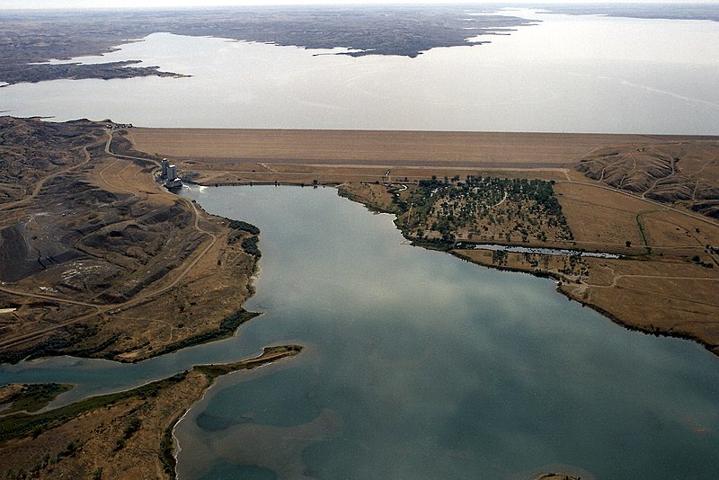 File:USACE Fort Peck Dam.jpg