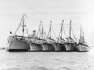 USS Black Hawk (AD-9), USS Whipple (DD-217), USS John D. Edwards (DD-216), USS Smith Thompson (DD-212), USS Barker (DD-213), USS Heron (AM-10) at Manila in 1935