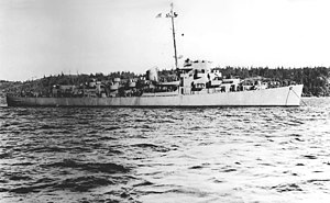 USS Sanders (DE-40) at anchor off the Puget Sound Naval Shipyard in 1943.