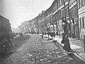 Ulica Nowy Swiat w Warszawie w II połowie XIX wieku.jpg