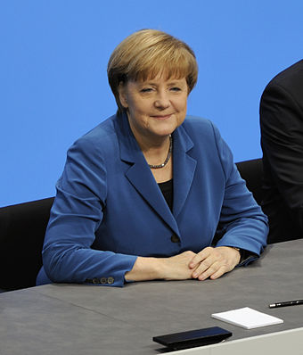 Angela Merkel at the signing of the coalition agreement for the 18th election period of the Bundestag, December 2013 Unterzeichnung des Koalitionsvertrages der 18. Wahlperiode des Bundestages (Martin Rulsch) 079.jpg