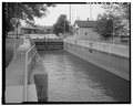 VIEW SOUTHEAST, Upper gate of lock - DePere Lock and Dam, Fox River at James Street, De Pere, Brown County, WI HAER WIS,5-DEPER,2-6.tif