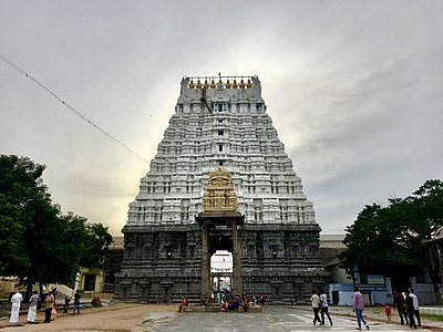 Varadharaja Perumal Temple 8.jpg
