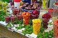 Vasos llenos de diferentes furtas en el Mercado de Medellín.jpg