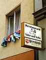 Vater und Sohn, Restaurant und Gaststätte, Warmbüchenstraße 30 Hannover, Inhaber Irina Krauskopf-Engel, Axel Krauskopf, Leuchtreklame Herrenhäuser Premium Pilsener, Wäsche zum Lüften.jpg