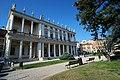 Vicenza, Palazzo Chiericati.jpg