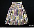 Vid kjol rynkad mot en bred linning - Nordiska museet - NM.0329262.jpg
