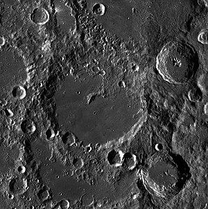 Von Kármán (lunar crater) - Image: Von Karman LROC