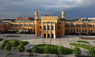 Wrocław Główny railway station - Railway station square