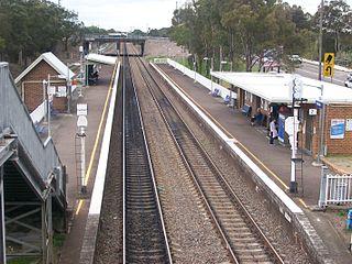 Waratah railway station