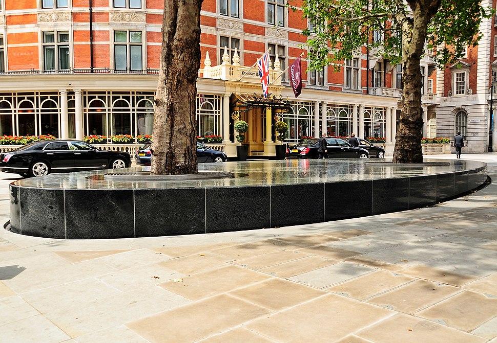 Water feature Silence, Mayfair, London
