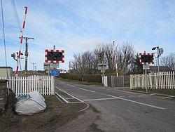 Watten level crossing (13175062135).jpg
