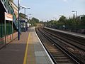 West Brompton stn Overground look south.JPG