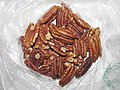 Whole Foods Bag of Pecans (40125763905).jpg