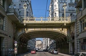 Wien_Hohe_Brücke_4.jpg