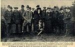 Wilhelm Kronprinz als Jagdgast des Fürsten von Donnersmark auf Schloß Neudeck, 1907.jpg