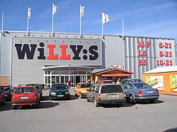 Willys stormarknad Norrköping april 2005.jpg