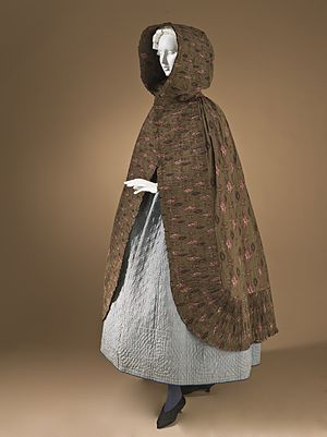 Roller printing on textiles - Image: Woman's hooded cape Provence 1785 1820