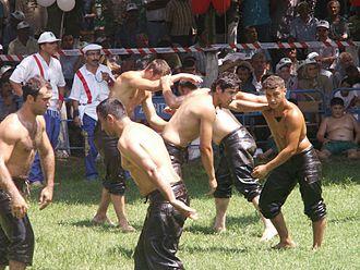 Oil wrestling - Image: Yagli gures 3