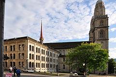 Zürich - Grossmünster - Grossmünsterplatz IMG 4287 ShiftN.jpg