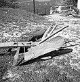 """D?rvo"" (dvojni plug), lesena konstrukcija, železna deska, Vojsko 1959.jpg"